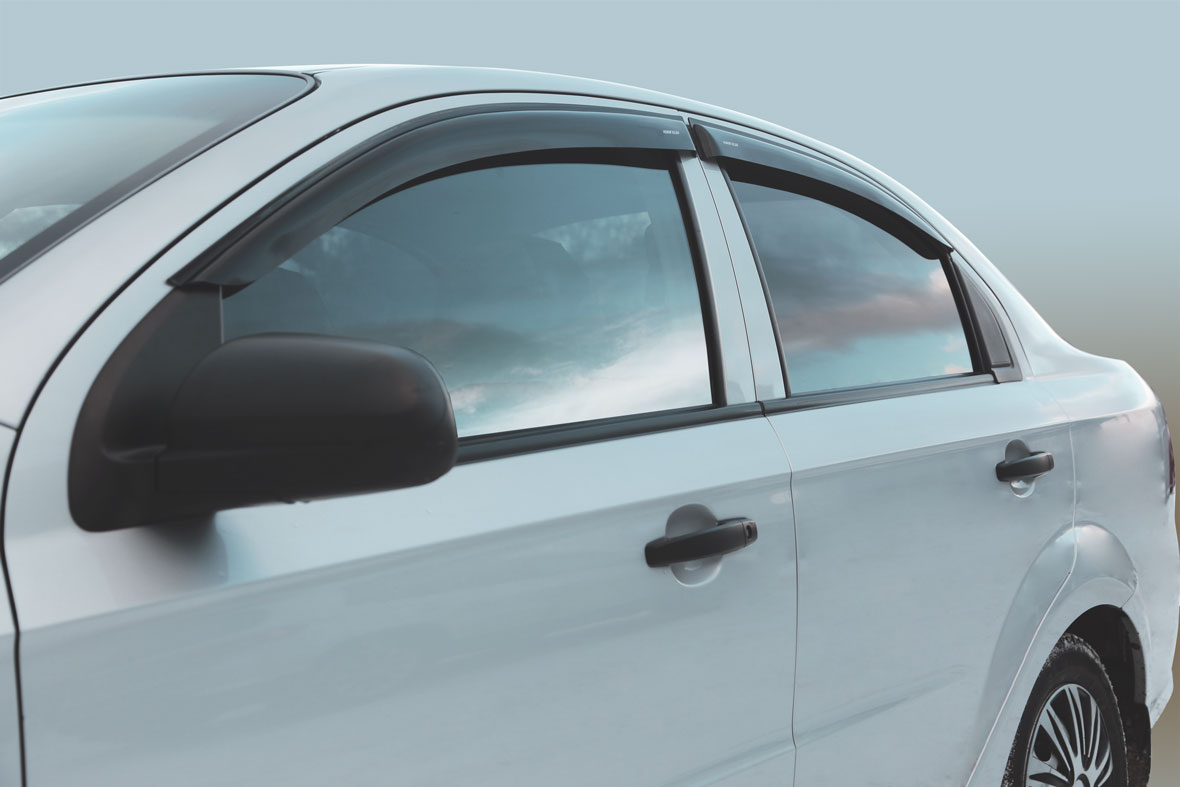 Дефлекторы на боковые стекла Chevrolet Aveo 2006-2010 накладные 4 шт. Corsar ДЕФ00391