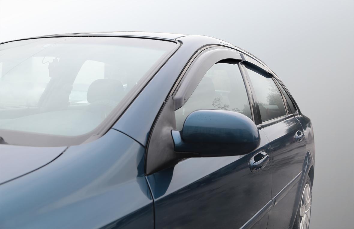 Дефлекторы на боковые стекла Chevrolet Lacetti седан 2004 накладные неломающиеся 4 шт. Voron Glass ДЕФ00225