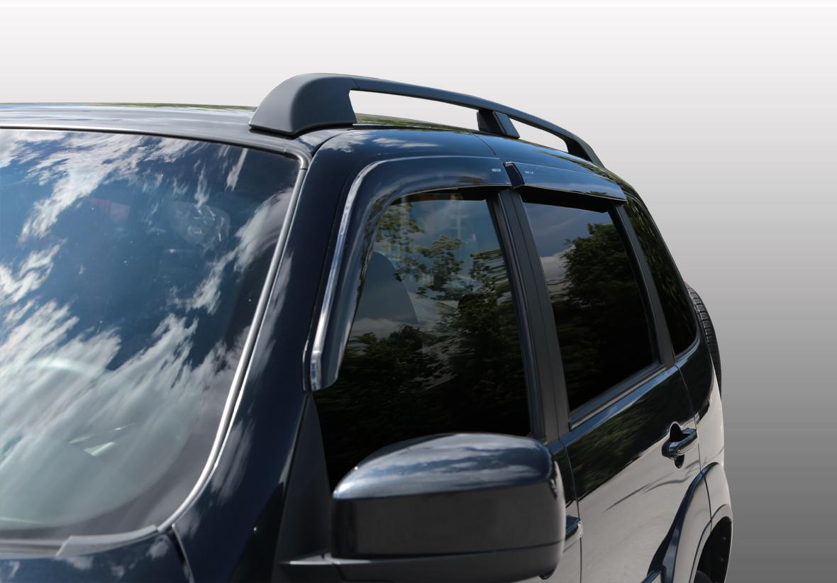 Дефлекторы на боковые стекла Chevrolet Niva накладные неломающиеся 4 шт. Voron Glass ДЕФ00274